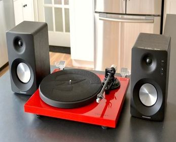 10 Best Turntable With Speakers In 2021